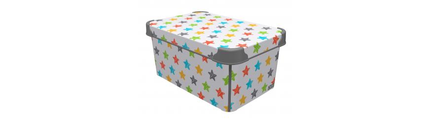Цветни пластмасови кутии